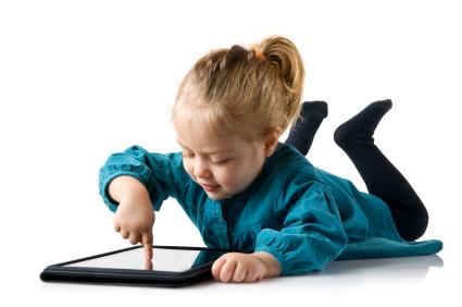"CVS sindrom <a href=""https://www.moje-lece.si/slovar/kratkovidnost.html"" title=""Slovar: Kratkovidnost"" class=""dictionary_tag_link tag_link"">kratkovidnost</a> pri otrocih"